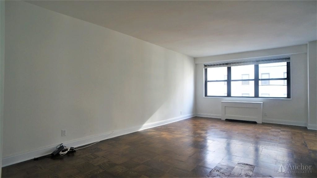 Studio, Yorkville Rental in NYC for $3,275 - Photo 2