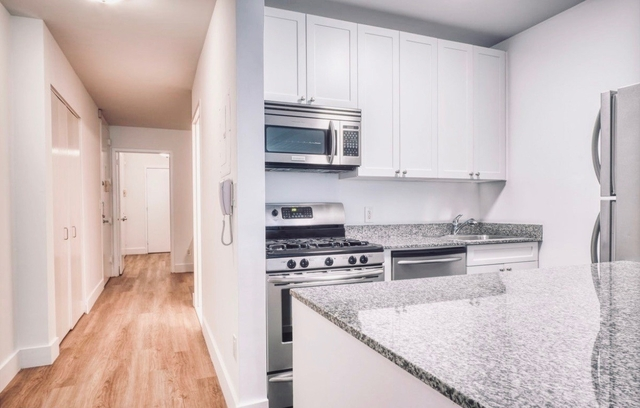 Studio, Financial District Rental in NYC for $3,181 - Photo 2