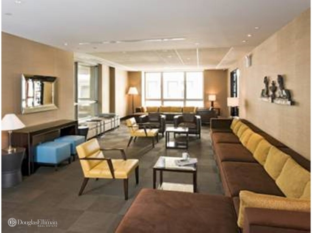 2 Bedrooms, Financial District Rental in NYC for $6,734 - Photo 2