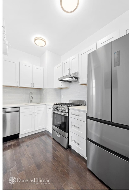 2 Bedrooms, Two Bridges Rental in NYC for $3,900 - Photo 2