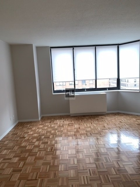 1 Bedroom, Rose Hill Rental in NYC for $3,875 - Photo 2