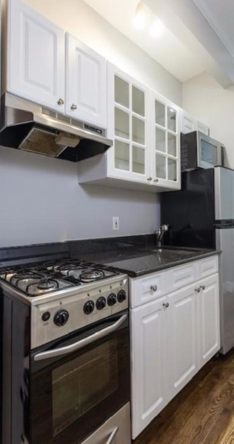 3 Bedrooms, East Village Rental in NYC for $4,653 - Photo 2