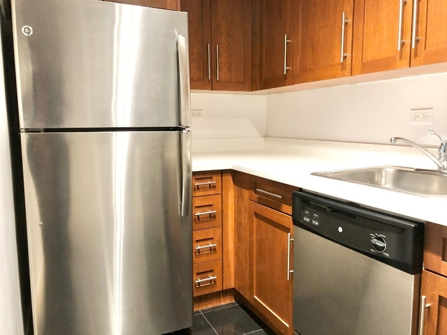Studio, Theater District Rental in NYC for $2,550 - Photo 2