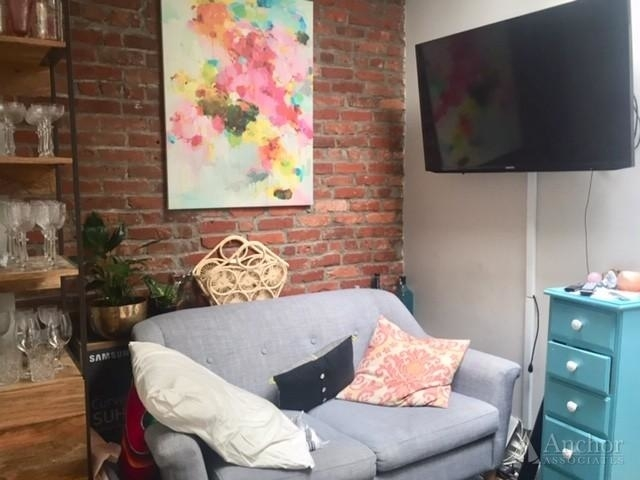 1 Bedroom, West Village Rental in NYC for $3,203 - Photo 2