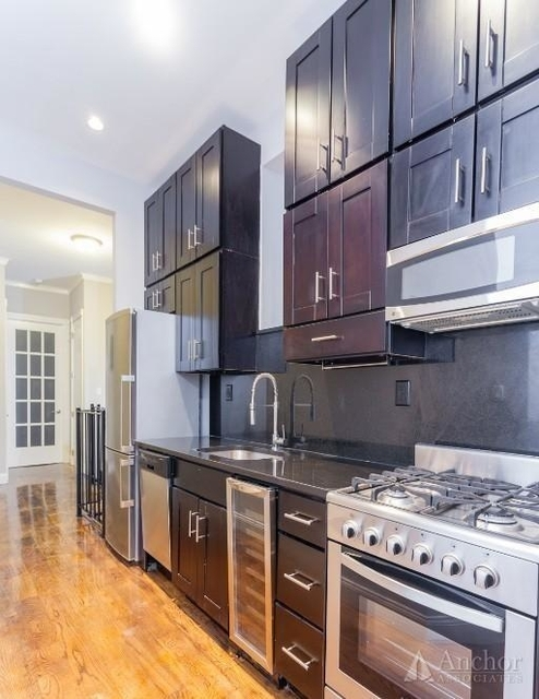 4 Bedrooms, East Village Rental in NYC for $6,258 - Photo 2