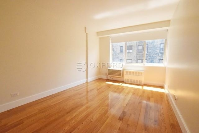 3 Bedrooms, Hell's Kitchen Rental in NYC for $6,295 - Photo 2