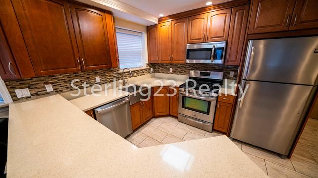 1 Bedroom, Astoria Heights Rental in NYC for $1,900 - Photo 1