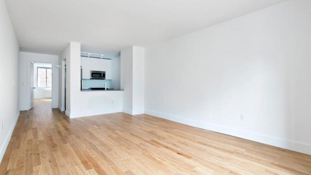 2 Bedrooms, Chelsea Rental in NYC for $4,304 - Photo 1