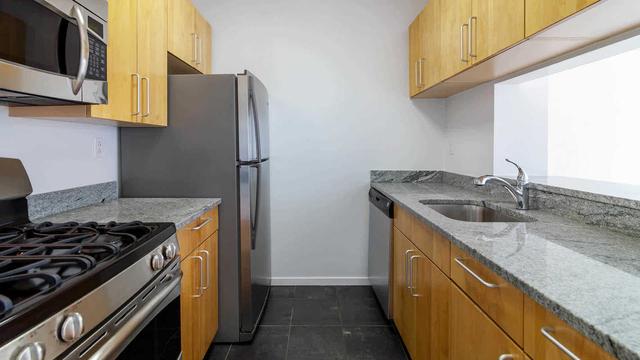 Studio, Chelsea Rental in NYC for $3,708 - Photo 2