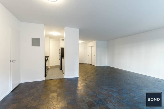 Studio, Yorkville Rental in NYC for $3,150 - Photo 2