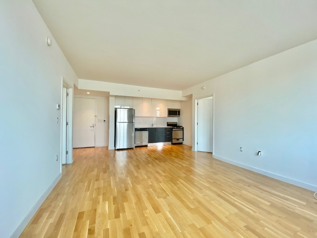 2 Bedrooms, Astoria Rental in NYC for $3,295 - Photo 2