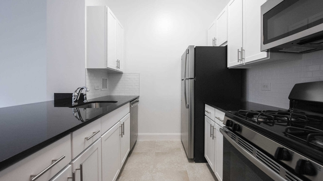 Studio, Lincoln Square Rental in NYC for $3,672 - Photo 2