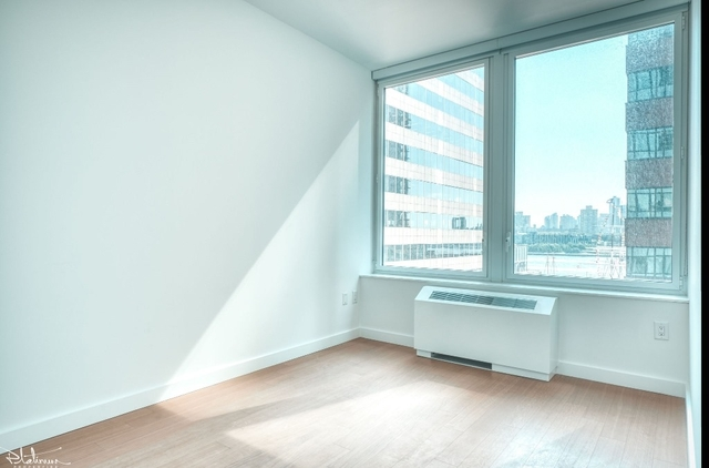 2 Bedrooms, Financial District Rental in NYC for $5,088 - Photo 2