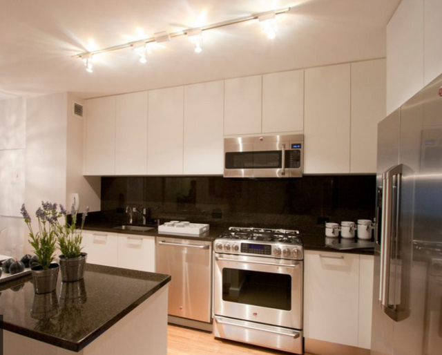 2 Bedrooms, Garment District Rental in NYC for $4,840 - Photo 2