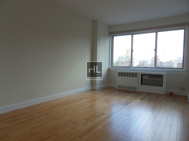 2 Bedrooms, Upper East Side Rental in NYC for $5,358 - Photo 2