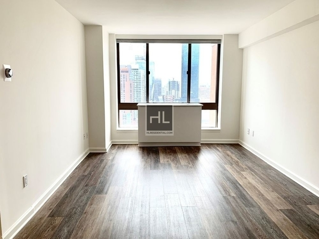 2 Bedrooms, Hell's Kitchen Rental in NYC for $5,205 - Photo 1