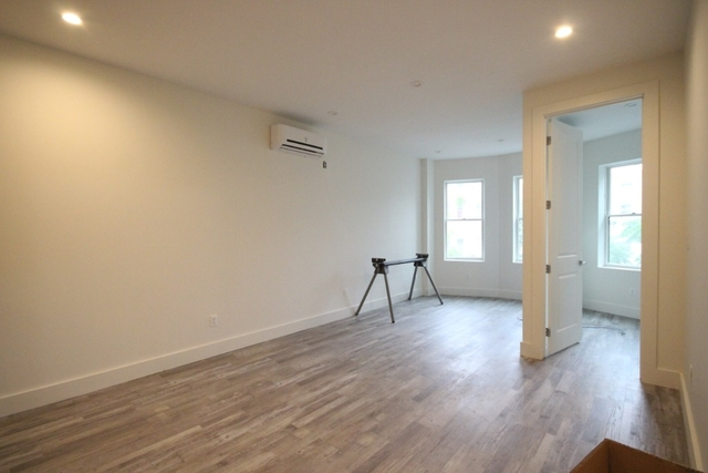 3 Bedrooms, Ocean Hill Rental in NYC for $2,800 - Photo 2