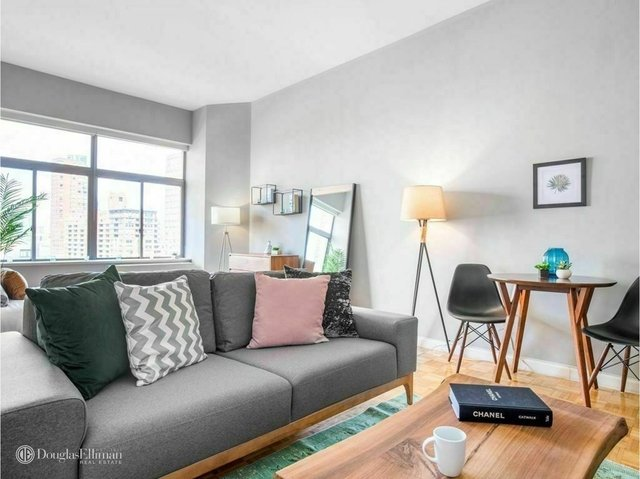 Studio, Financial District Rental in NYC for $5,000 - Photo 1