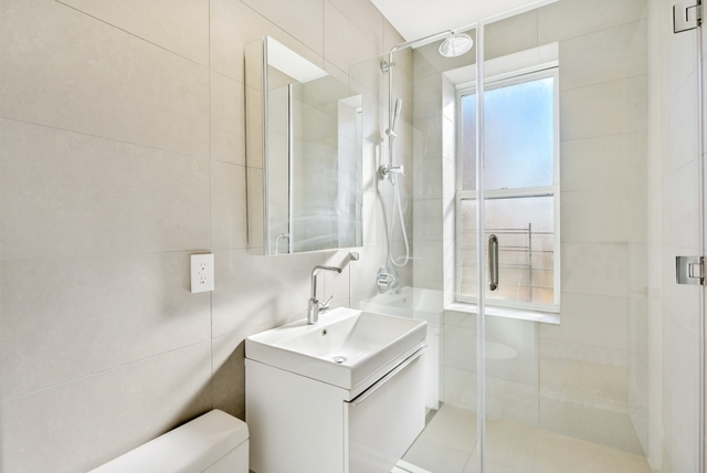 1 Bedroom, Prospect Lefferts Gardens Rental in NYC for $2,123 - Photo 2