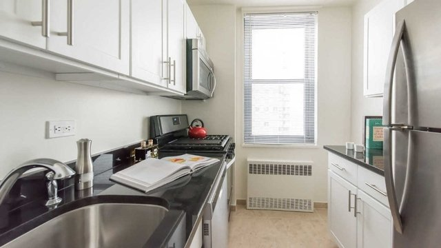 2 Bedrooms, Yorkville Rental in NYC for $5,380 - Photo 1