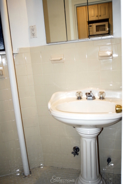 Studio, Yorkville Rental in NYC for $1,995 - Photo 2