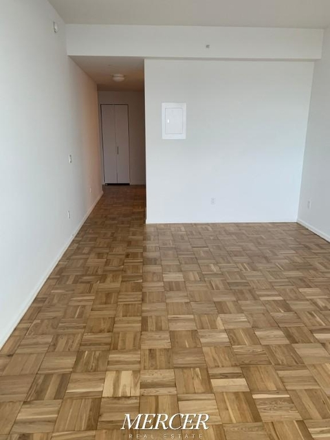 Studio, Hell's Kitchen Rental in NYC for $2,895 - Photo 1
