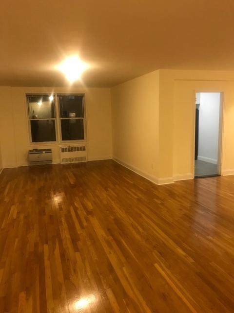 2 Bedrooms, Kew Gardens Hills Rental in NYC for $2,450 - Photo 2