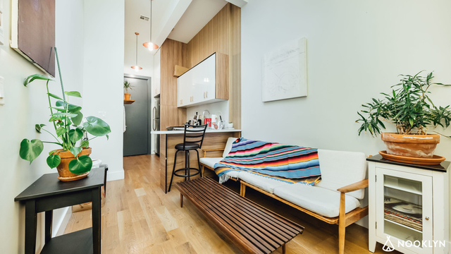 Room, Ridgewood Rental in NYC for $1,100 - Photo 2