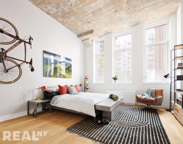 2 Bedrooms, Long Island City Rental in NYC for $5,160 - Photo 1