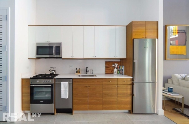 2 Bedrooms, Long Island City Rental in NYC for $5,160 - Photo 2