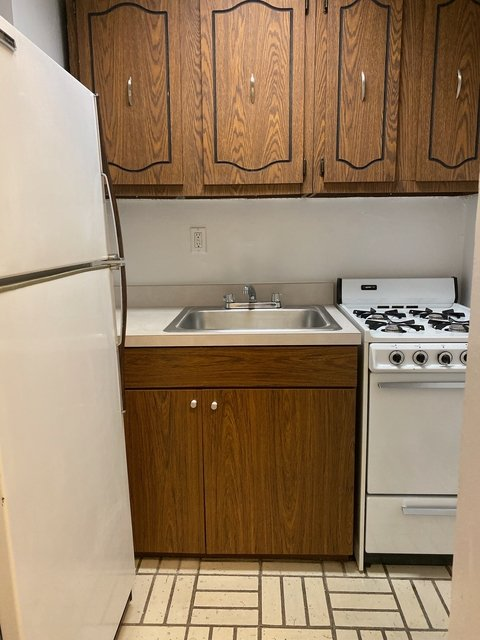Studio, Sutton Place Rental in NYC for $2,235 - Photo 2