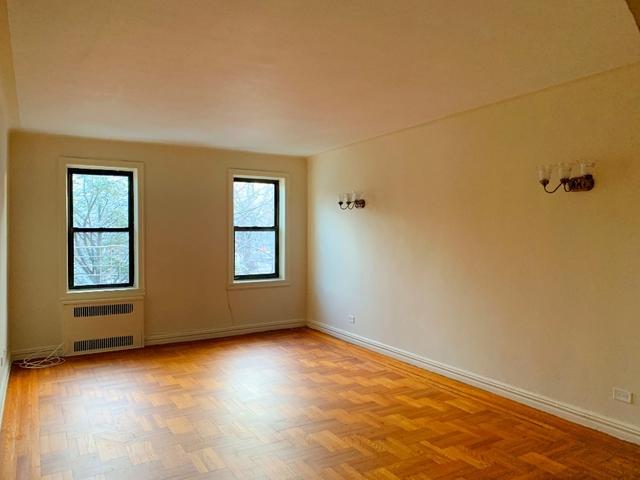 2 Bedrooms, Ocean Parkway Rental in NYC for $2,375 - Photo 1