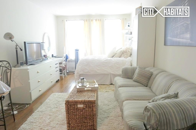 Studio, Yorkville Rental in NYC for $1,830 - Photo 2