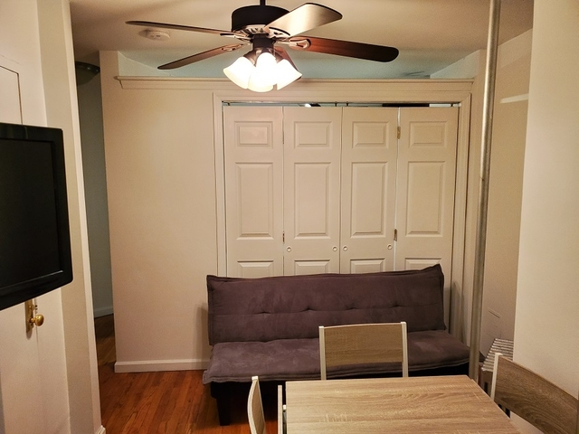 2 Bedrooms, Hell's Kitchen Rental in NYC for $2,650 - Photo 2
