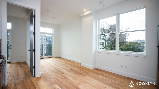 Room, Bedford-Stuyvesant Rental in NYC for $975 - Photo 2