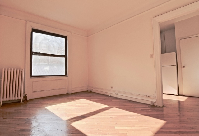 3 Bedrooms, Hudson Heights Rental in NYC for $2,700 - Photo 2