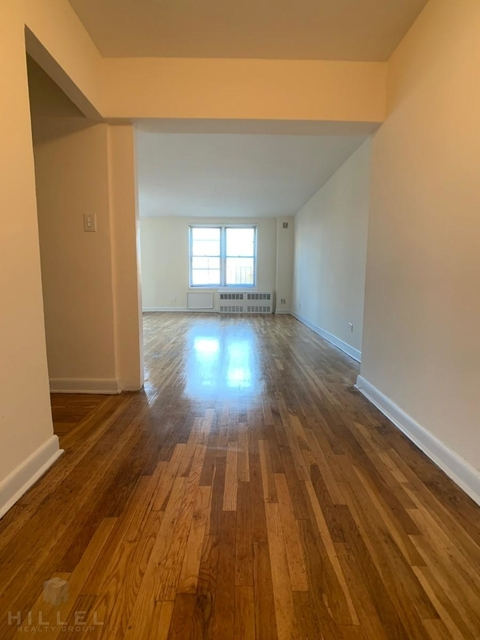 2 Bedrooms, Flushing Rental in NYC for $2,325 - Photo 1