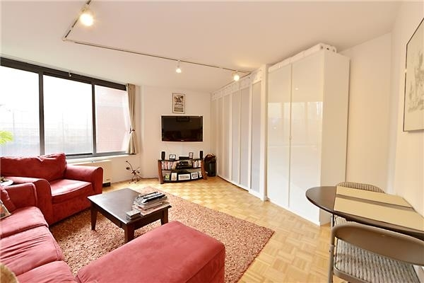 4 Bedrooms, Lincoln Square Rental in NYC for $18,900 - Photo 2