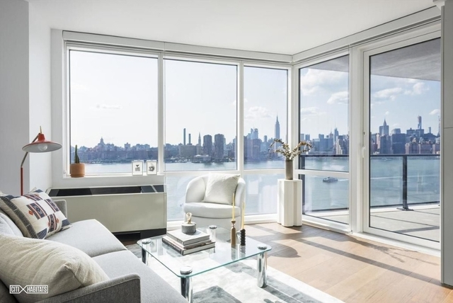 2 Bedrooms, Greenpoint Rental in NYC for $5,368 - Photo 1