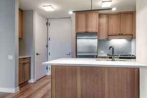 2 Bedrooms, Hell's Kitchen Rental in NYC for $5,933 - Photo 2