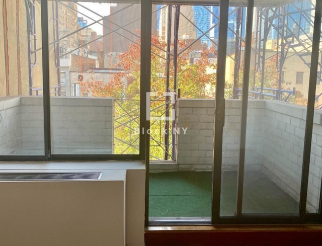 3 Bedrooms, Chelsea Rental in NYC for $5,400 - Photo 1
