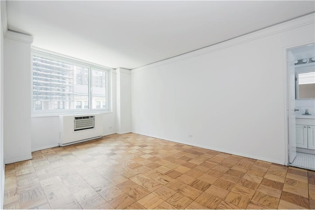 3 Bedrooms, Chelsea Rental in NYC for $5,870 - Photo 2