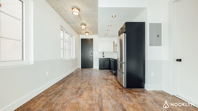 2 Bedrooms, Long Island City Rental in NYC for $3,208 - Photo 2