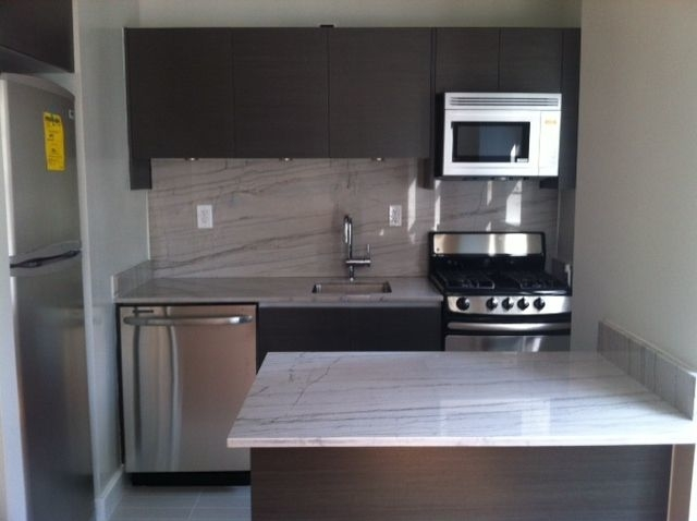 Studio, Sutton Place Rental in NYC for $3,020 - Photo 1