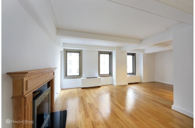 2 Bedrooms, Theater District Rental in NYC for $6,395 - Photo 2