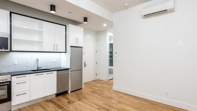 2 Bedrooms, Crown Heights Rental in NYC for $2,599 - Photo 2