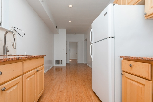 2 Bedrooms, Greenpoint Rental in NYC for $28,999 - Photo 1