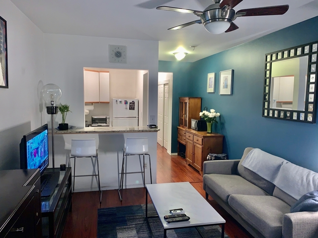Studio, Hell's Kitchen Rental in NYC for $2,000 - Photo 2