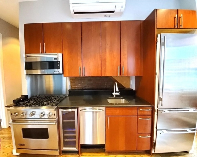3 Bedrooms, West Village Rental in NYC for $8,048 - Photo 2