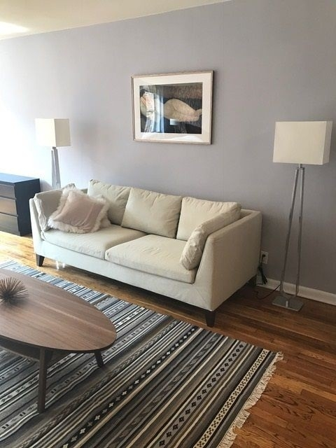 2 Bedrooms, Hell's Kitchen Rental in NYC for $3,400 - Photo 1